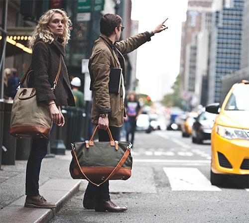 Phái mạnh biến hóa phong cách cùng túi xách da - 6