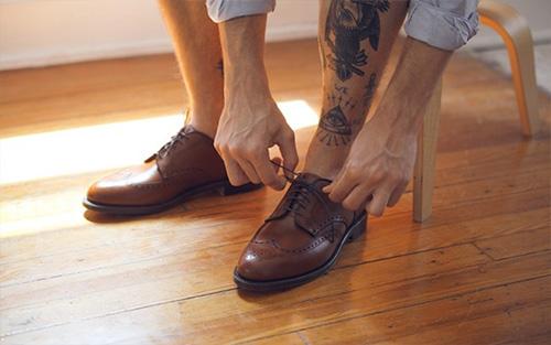 Những lưu ý vàng khi chọn giày cho nam giới - 1