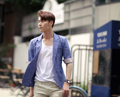 Mách chàng cách phối áo vest với thun sành điệu - 9