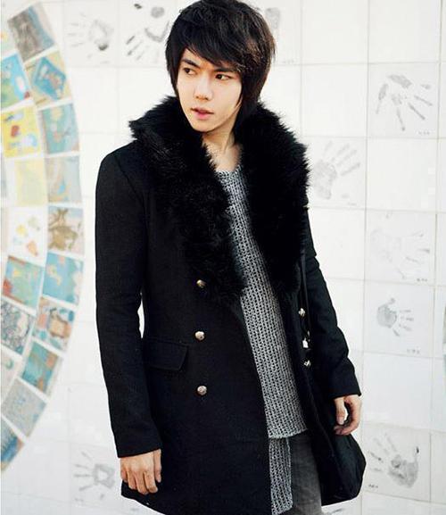 Mách chàng cách phối áo vest với thun sành điệu - 6