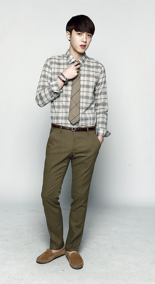 Các mẫu quần giúp tôn dáng chàng công sở - 12