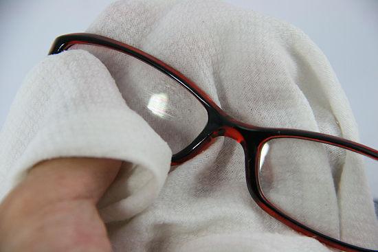 Cách vệ sinh và bảo quản kính mát an toàn - 4