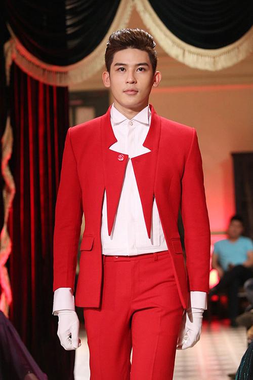 Thay đổi phong cách vào thu cùng vest đỏ - 2