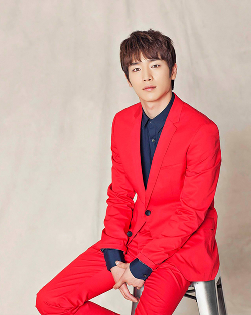 Thay đổi phong cách vào thu cùng vest đỏ - 1