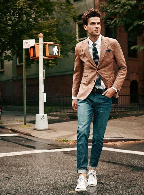 Gợi ý cách phối áo vest cùng kính râm và giày thể thao - 7