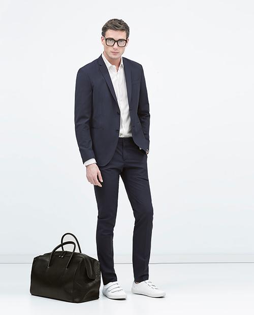 Gợi ý cách phối áo vest cùng kính râm và giày thể thao - 10
