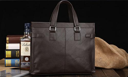 Những lí do hữu ích khiến nam giới nên mua ngay một chiếc túi xách - 1