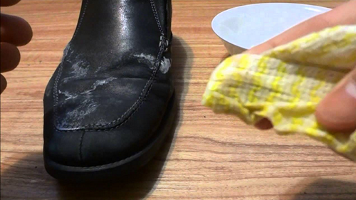 Xử lý nhanh nấm mốc trên giày da - 3
