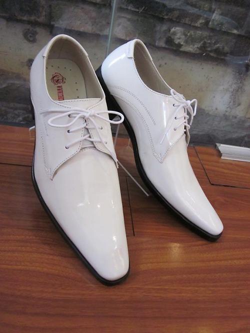 Mách nhỏ cách làm sạch những đôi giày trắng - 4