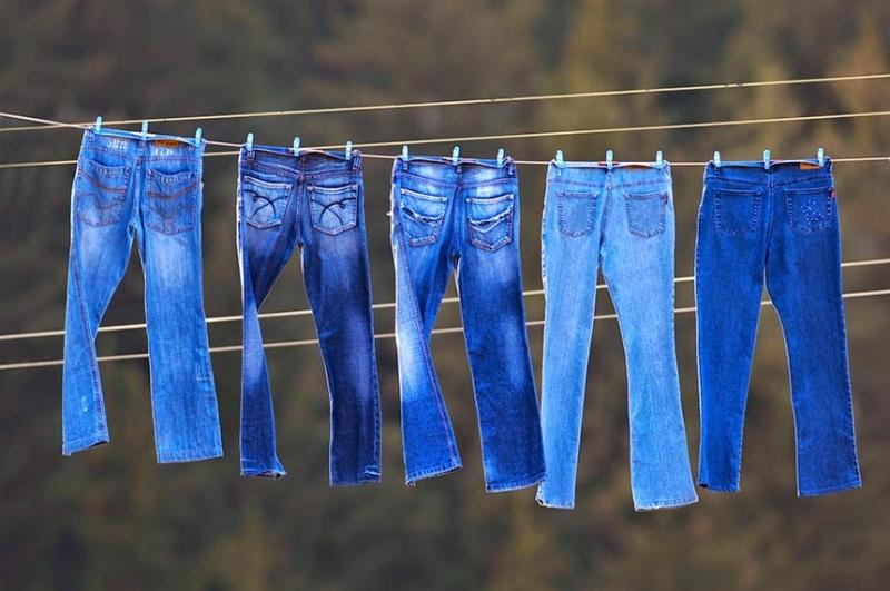 Tuyệt chiêu mặc quần jean không lo phai màu cho các chàng - 3