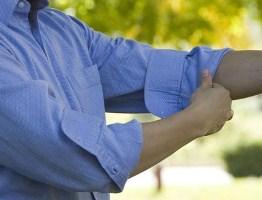 Xắn tay áo sơ mi của quý ông như nào là đúng cách?