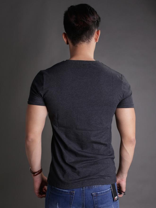 Áo thun cổ tròn đen at596 - 2