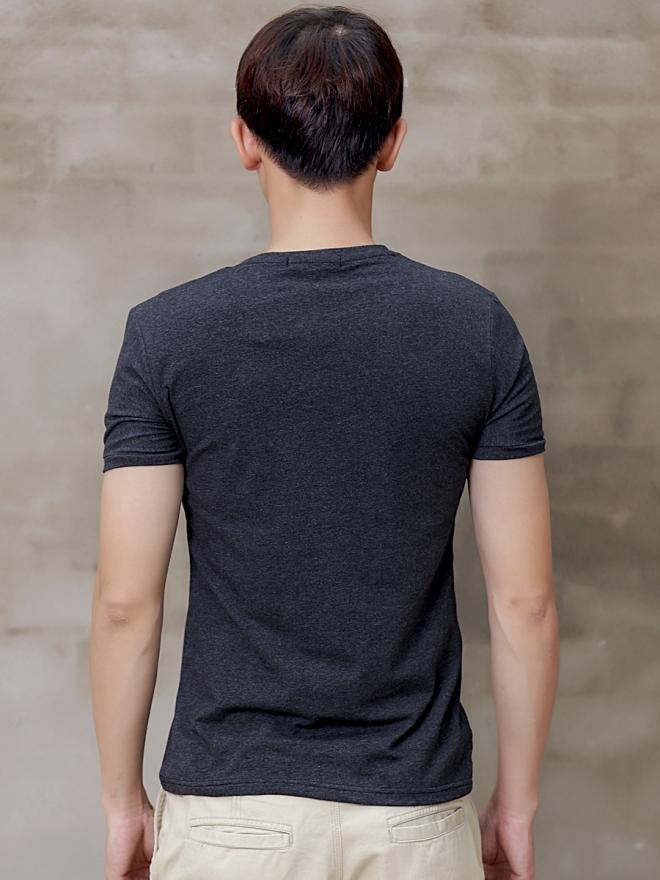 Áo thun cổ tròn đen at600 - 2