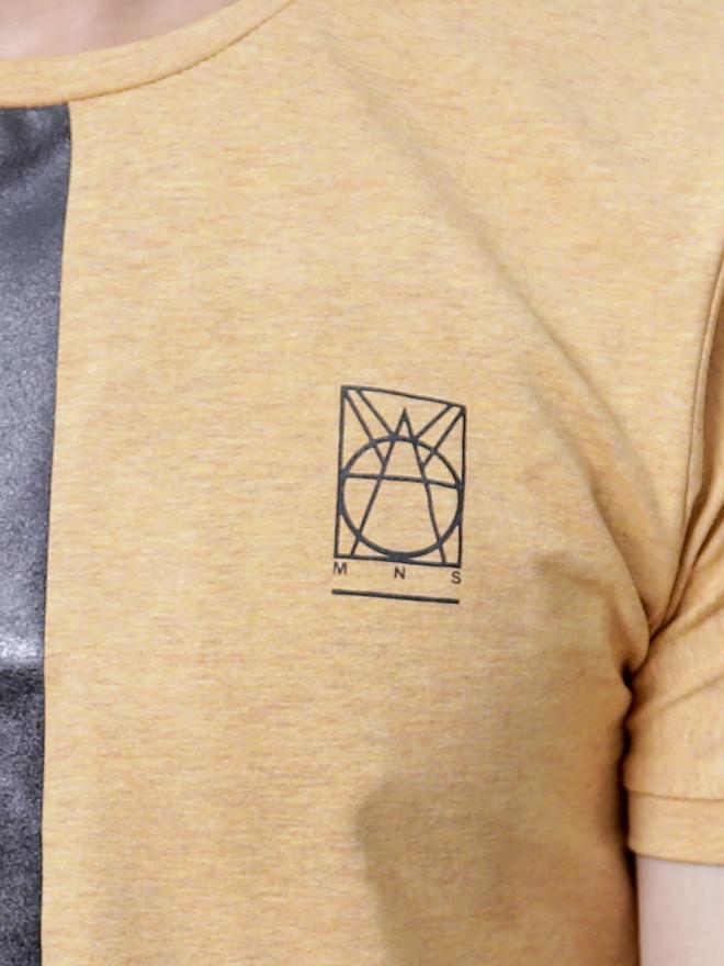 Áo thun cổ tròn vàng at600 - 3