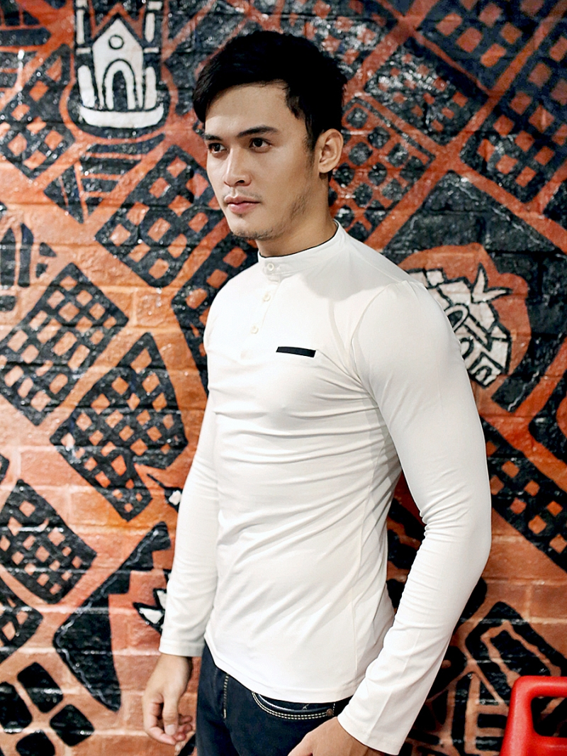 Áo thun tay dài màu trắng kem at613 - 2