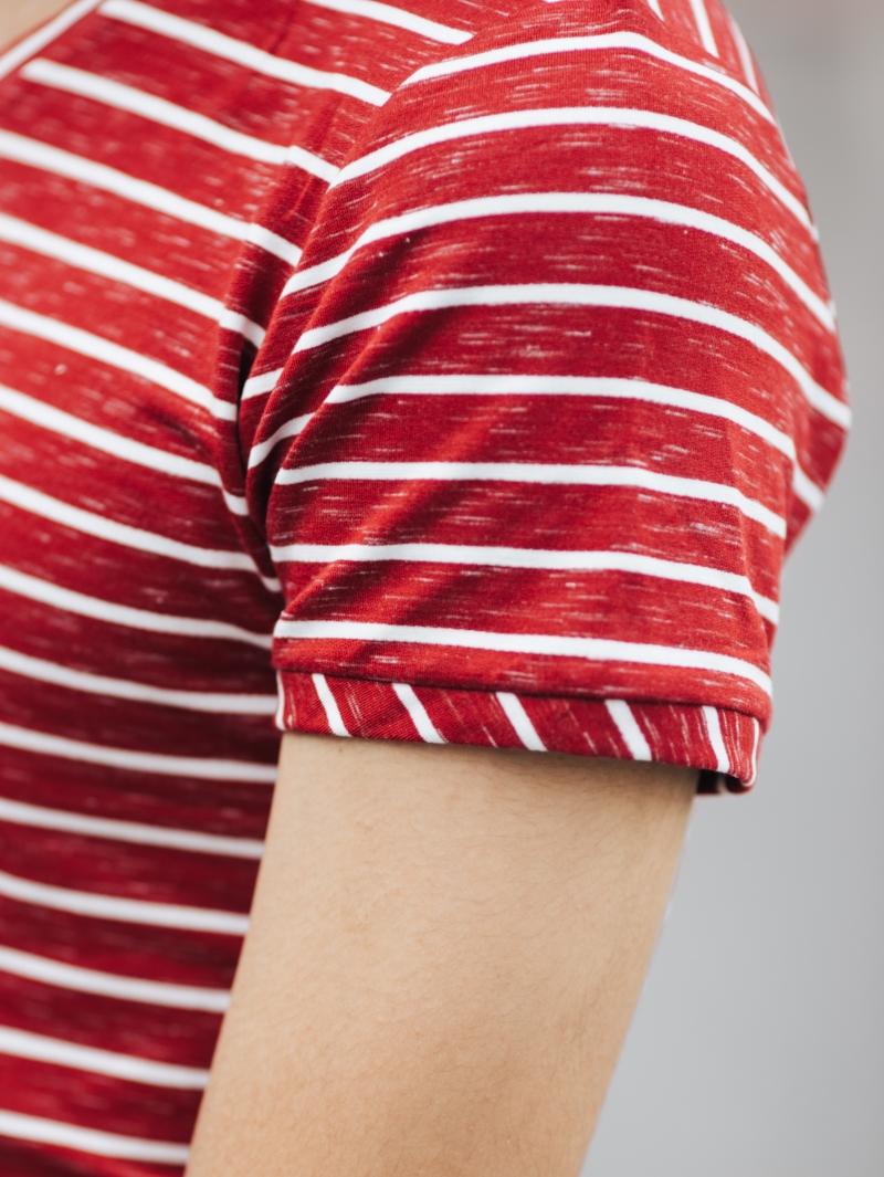 Áo thun cổ tim đỏ at636 - 4