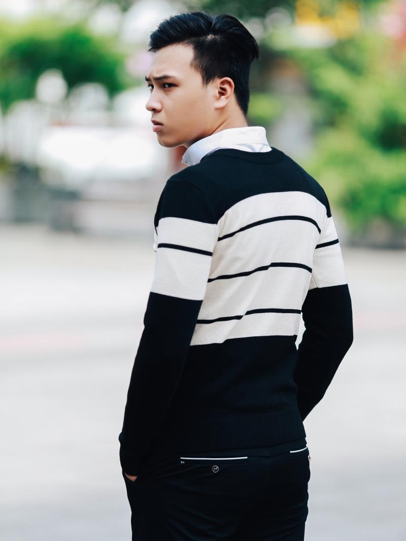 Áo len màu đen sọc kem al98 - 4