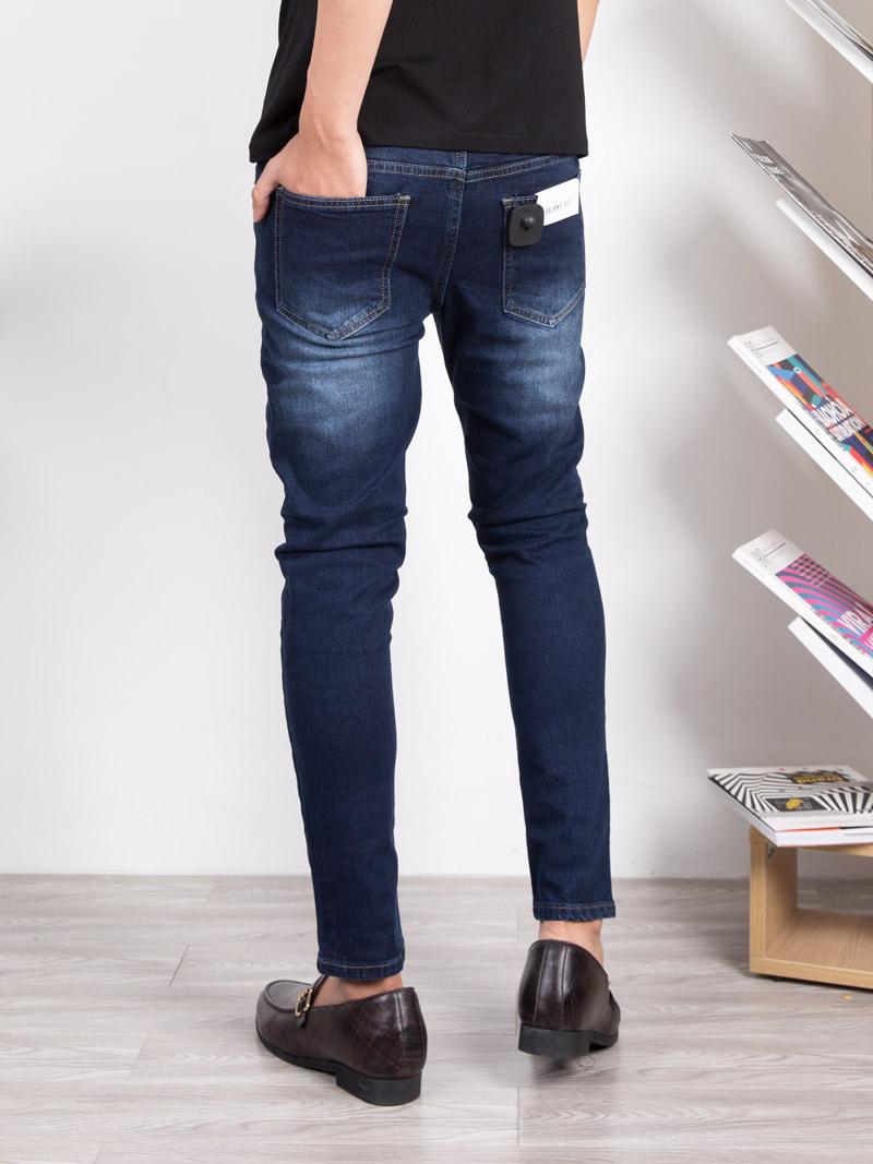 6 nguyên tắc làm sạch quần jean tránh bay màu - 261178