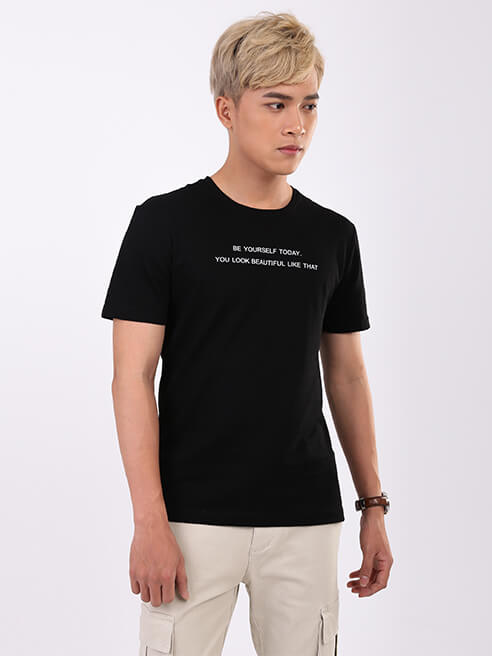 Áo Thun Ngực In Chữ Màu Đen AT852