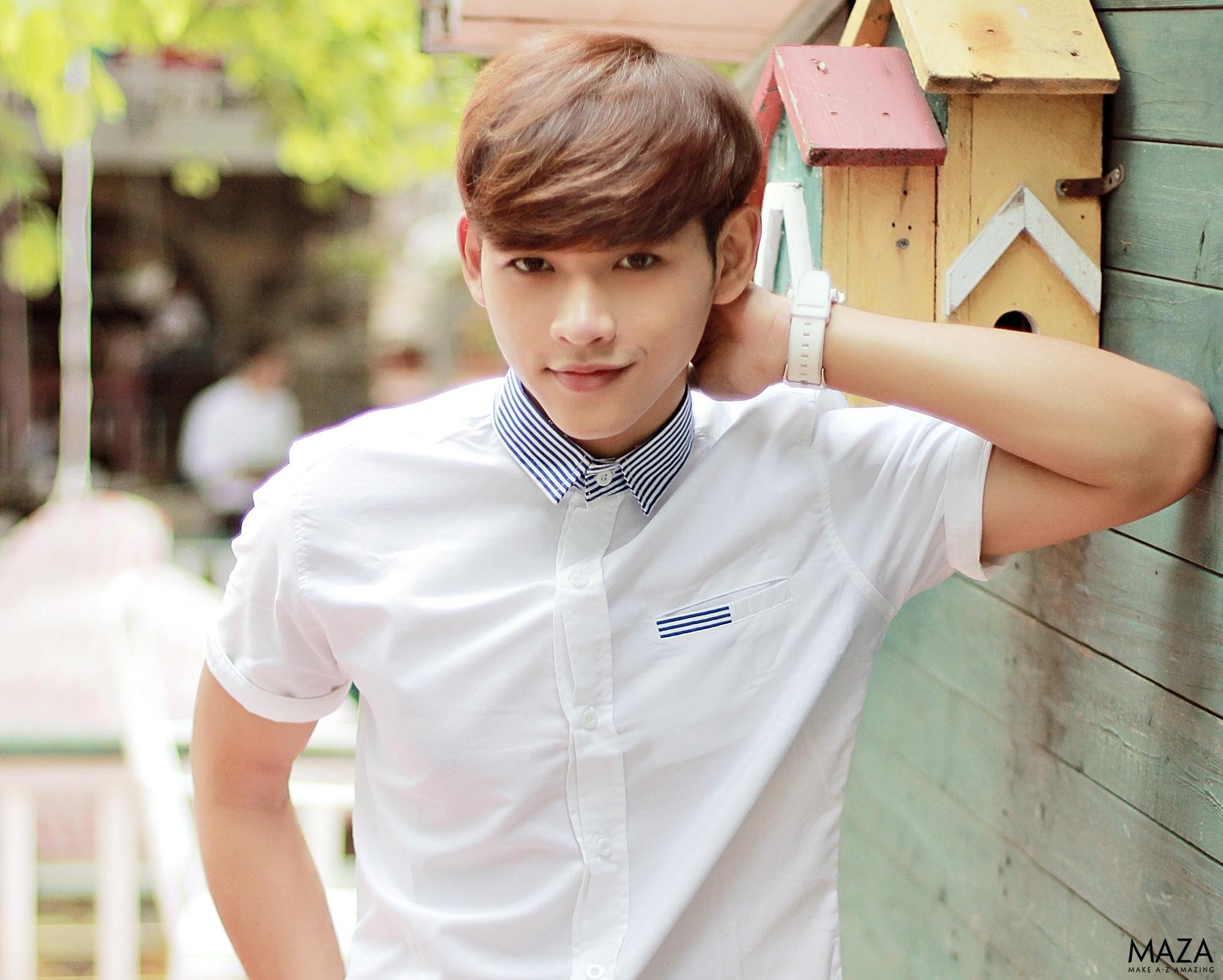 Diện áo sơ mi tay ngắn theo phong cách Hàn Quốc