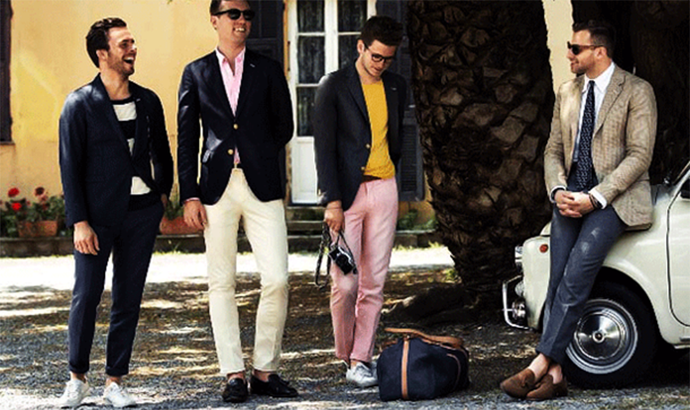 Gợi Ý Cách Phối Áo Vest Cùng Kính Râm Và Giày Thể Thao
