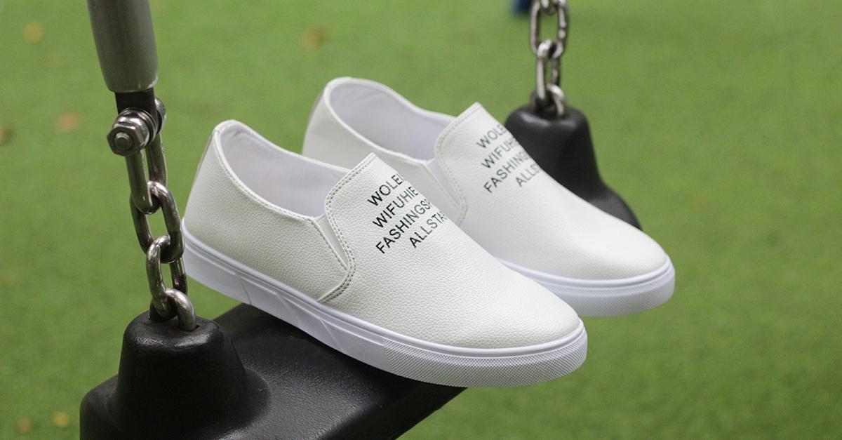 Mẹo đơn giản đánh bay vết bẩn những đôi giày trắng